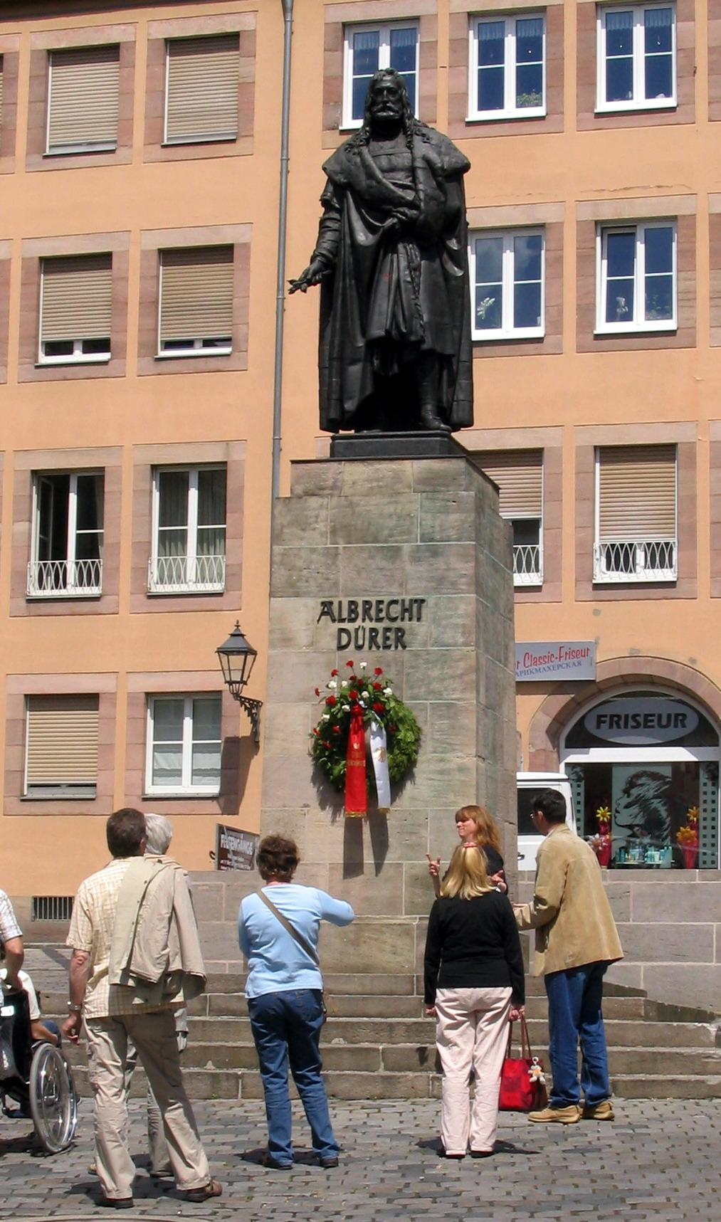 Das Dürer-Denkmal am Albrecht-Dürer-Platz